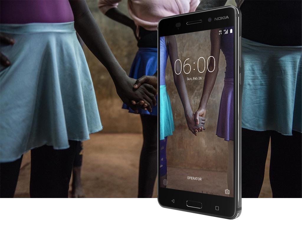 Un téléphone exceptionnel doté du dernier système d'exploitation Android™ et de divertissements immersifs.