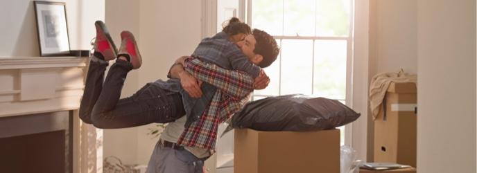 Image de couple déménagement