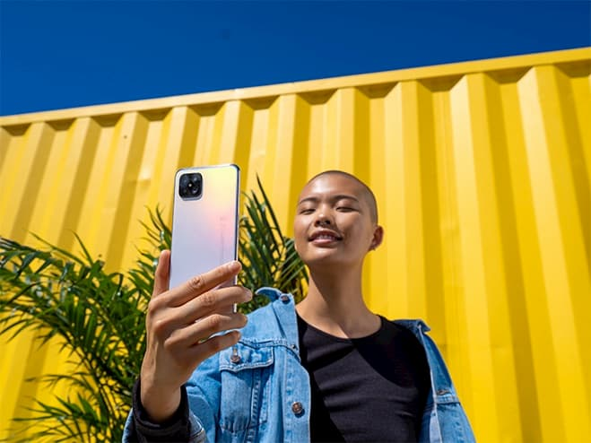 visuel d'un selfie avec oppo reno4 5g